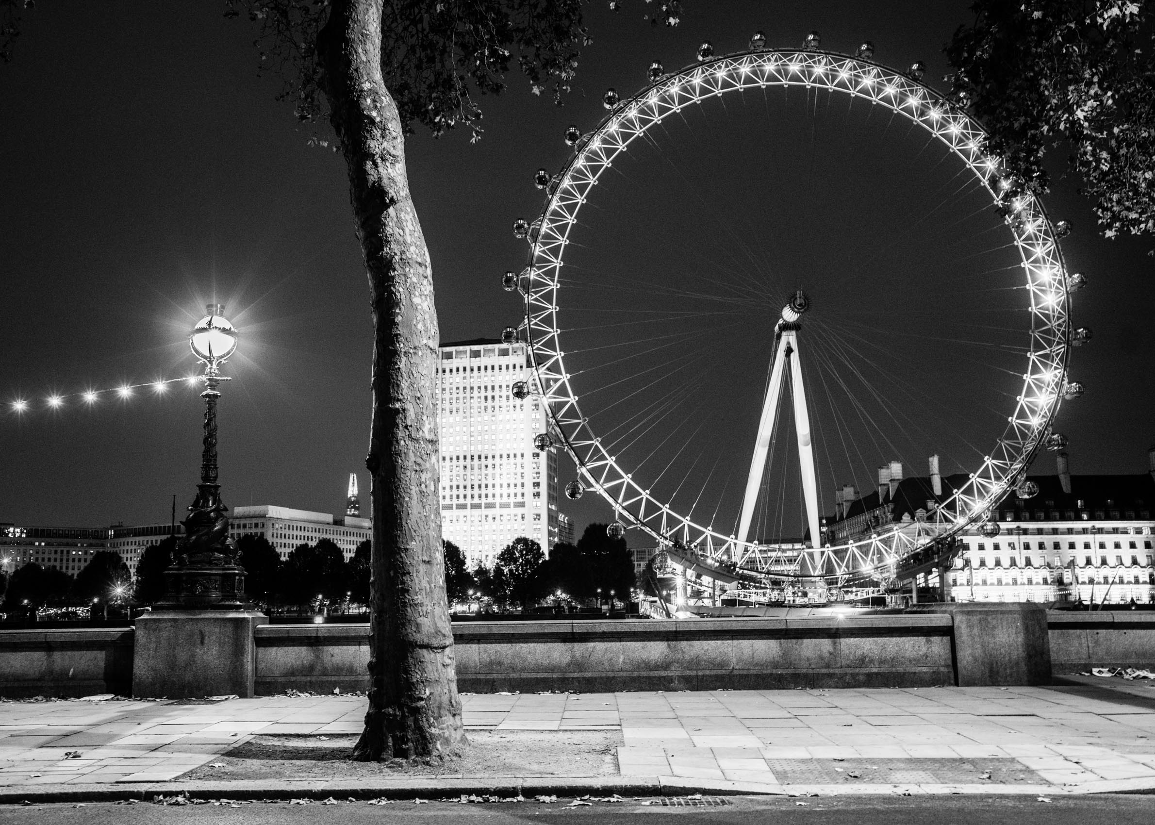Los Angeles Street Photographer - London Eye at night by Ray Kachatorian